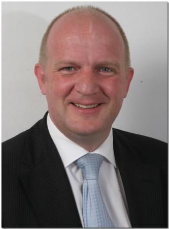 Unternehmensberater Wolfgang Gröll hat sich auf Dorf- und Bürgerläden spezialisiert