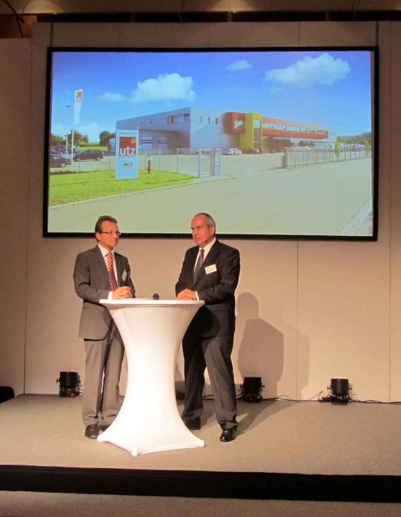 Lebensmittelpraxis-Chefredakteur Hans-Jürgen Krone im Interview mit Rainer Utz (links)