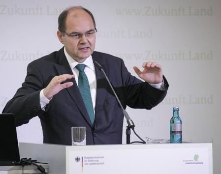 Bundesminister Schmidt bei der Eröffnung der Herbstkonferenz , Quelle: BMEL/Thomas Imo/photothek.net