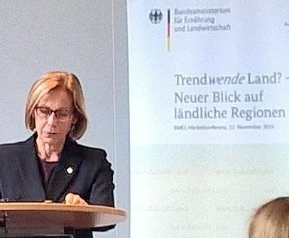 Finnlands Botschafterin Riiva Koukku-Ronde in Berlin